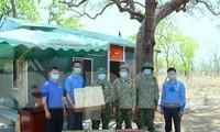Các đơn vị thăm, động viên các bộ chiến sỹ tại chốt kiểm dịch COVID -19