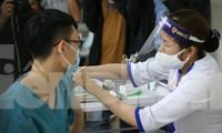 Bộ Y tế chuẩn bị các kịch bản cho 'hộ chiếu vắc xin'