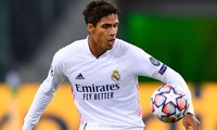 Mất Raphael Varane vào phút chót khiến Real Madrid gặp vấn đề lớn.