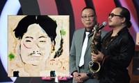 Nghệ sĩ saxophone Trần Mạnh Tuấn từng được cố nhạc sĩ Trịnh Công Sơn vẽ tặng 5 bức tranh