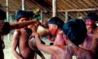 Hãi hùng với bộ lạc uống xương cốt của người đã khuất