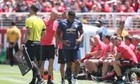 Antonio Valencia chấn thương ngay phút thứ 7