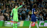 Kepa Arrizabalaga bị Chelsea phạt một tuần lương