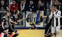 Ronaldo bất lực nhìn Juventus bị loại