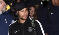 Neymar trả giá đắt vì xúc phạm trọng tài