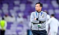 HLV Sirisak Yodyardthai từng thua HLV Park Hang Seo ở King's Cup 2019