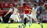 Martial phải thi đấu hết trận với Crystal Palace dù chấn thương.