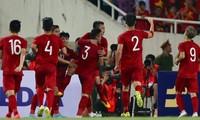 Quang Hải và các đồng đội ăn mừng. Ảnh: AFC