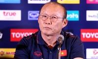 Báo Thái Lan: 'HLV Park nhận lương 1,2 triệu USD mỗi năm'