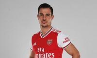 Cedric Soares đến Arsenal dù đang chấn thương.