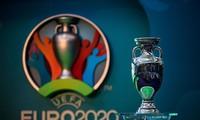 EURO 2020 sẽ hoãn đến năm 2021.
