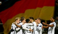 Các ngôi sao đội tuyển Đức thể hiện sự đoàn kết trước dịch Covid-19.