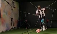 Paul Pogba xuất hiện trong màu áo Juventus.