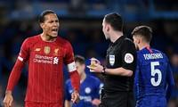 Liverpool có nguy cơ mất chức vô địch sau 30 năm chờ đợi.