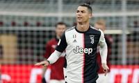 Cristiano Ronaldo đi đầu trong việc giảm lương ở Juventus.