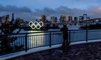 Biểu tượng Olympic đặt ở Tokyo.