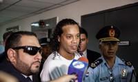 Ronaldinho được tòa án Paraguay cho tại ngoại.
