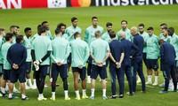 Các cầu thủ Real Madrid chấp nhận giảm lương để hỗ trợ CLB.