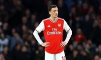 Mesut Ozil đặt mình vào thế đối đầu với Arsenal?