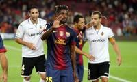Alex Song đến Barcelona chỉ vì tiền.