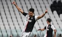 Ronaldo lập cú đúp giúp Juventus đánh bại Lazio