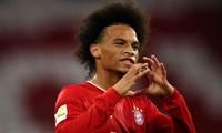 Leroy Sane ăn mừng chiến thắng trước Schalke 04.