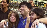 Diego Maradona: Khi người đàn ông khóc