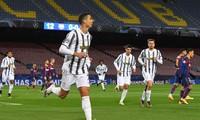 Ronaldo lập cú đúp giúp Juventus đánh bại Barca ở Camp Nou