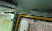 Đưa thai phụ đi cấp cứu, xe cứu trợ của Hòa Minzy bị ném đá vỡ kính