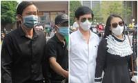 Ngày buồn cuối năm của showbiz Việt: Đông đảo nghệ sĩ đến tiễn biệt danh hài Chí Tài