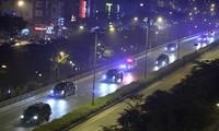 Biệt đội xe hộ tống Tổng thống Mỹ từ sân bay Nội Bài về khách sạn
