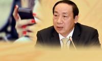 Nguyên Thứ trưởng Nguyễn Hồng Trường và vụ lùm xùm tin nhắn với nữ doanh nhân