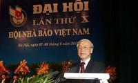 Tổng Bí thư Nguyễn Phú Trọng dự và phát biểu tại Đại hội đại biểu toàn quốc lần thứ X Hội Nhà báo Việt Nam năm 2015