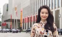 Biên tập viên VTV bị cắt sóng sau khi dẫn 3 tháng vì mặt quá trẻ