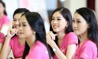 Lớp học nói trước đám đông của thí sinh Hoa hậu Việt Nam