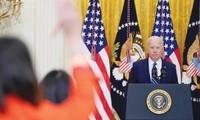 Ông Biden tại buổi họp báo đầu tiên