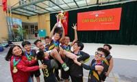 Học sinh Trường THCS Nguyễn Tri Phương trong một giờ tham gia CLB để giải tỏa năng lượng