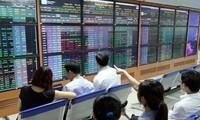 Ngân hàng siết vốn, công ty chứng khoán cắt giảm cho vay