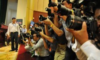 Phóng viên báo chí tác nghiệp tại các sự kiện Ảnh: HỒng Vĩnh