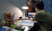Học sinh lớp 12 chịu áp lực lớn trước kỳ thi THPT Quốc gia năm nay trong bối cảnh nghỉ học kéo dài Ảnh: P.V
