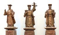 Ba mẫu tượng được TAND Tối cao lấy ý kiến để dựng tại trụ sở mới, số 43, Hai Bà Trưng, Hà Nội
