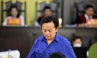 Bị cáo Nguyễn Minh Khoa tại tòa ngày 23/5