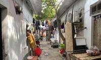 Ở nhiều khu nhà trọ, tiền điện được tính với giá 4.000 đồng/số