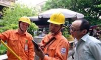 """Căn phòng thuộc """"hạng sang"""" trong khu trọ ngốn 600-700 nghìn tiền điện/tháng Ảnh: Việt Linh"""