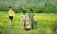 """""""Tôi thấy hoa vàng trên cỏ xanh"""" là bộ phim hiếm hoi về thiếu nhi gần đây để lại dấu ấn"""