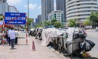 Rác chất đầy tại các quận nội đô khi bãi rác Nam Sơn bị chặn