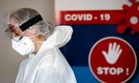 Các nhà chức trách Pháp xác nhận trường hợp đầu tiên của nước này nhiễm biến thể coronavirus mới đã thúc đẩy các biện pháp phong tỏa nghiêm ngặt từ Anh và hạn chế đi lại toàn cầu. Ảnh: AP