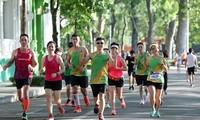 Các runner hăng say tập luyện
