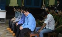 Phạm Sỹ Hoài Như (áo trắng, hàng ghế sau) tại phiên tòa phúc thẩm trước đây. Ảnh: Tân Châu