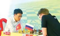 Lê Quang Liêm thi đấu trong một giải quốc tế